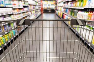 a shopper shopping with an empty cart